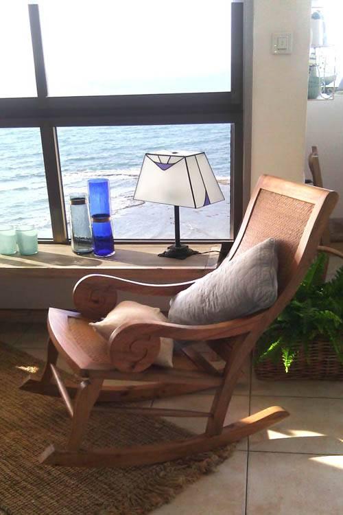 """חפצים - עיצוב הבית חלון לים התיכון - """"חפצים"""" בבתים"""