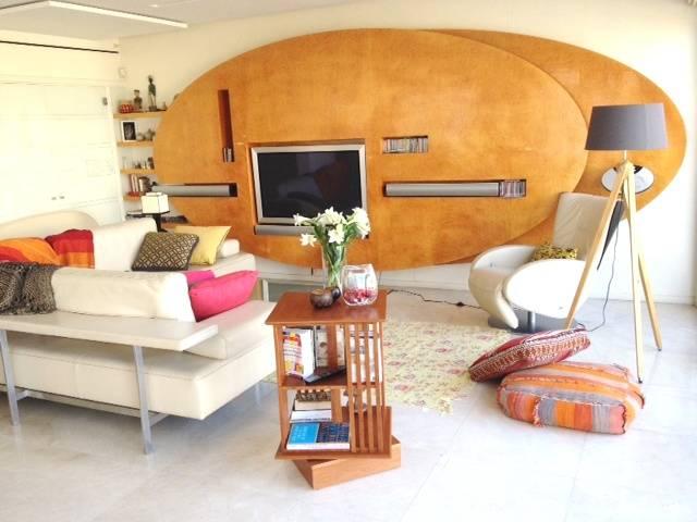 חפצים - עיצוב הבית חדר מגורים מודרני אך מסורתי - פריטים קלאסיים על זמניים