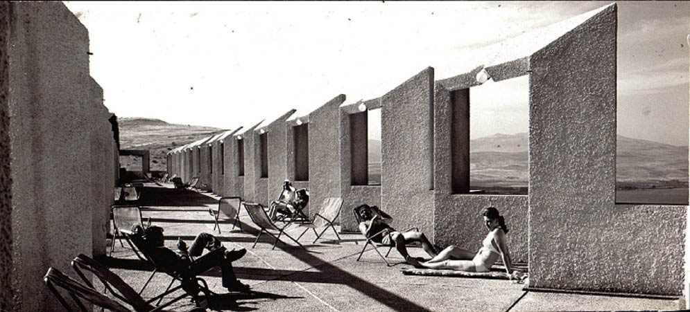 חפצים - עיצוב הבית אדריכל המדינה - תערוכה רטרוספקטיבית על פועלו של אדריכל אריה שרון