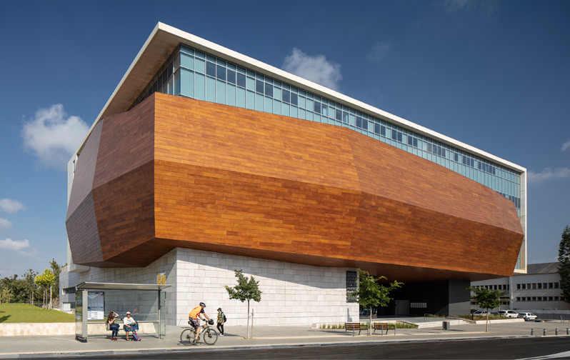 """חפצים - עיצוב הבית מוזיאון הטבע בת""""א – יצירה של האדם על היצירה של הטבע – חדש ומרשים"""