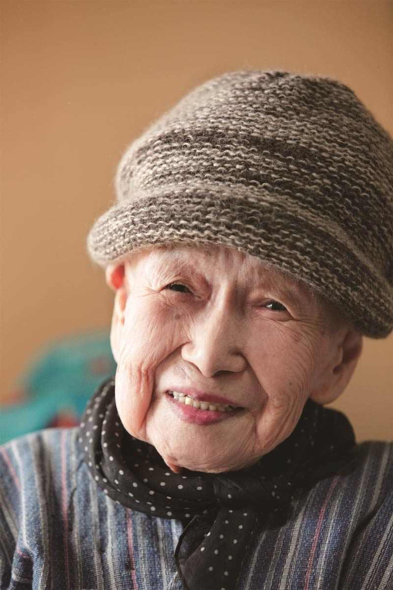 חפצים - עיצוב הבית הבוקר בא תמיד / שיבטה טויו – משוררת יפנית החלה לכתב שירה אחרי גיל 92 והצלחתה מסחררת
