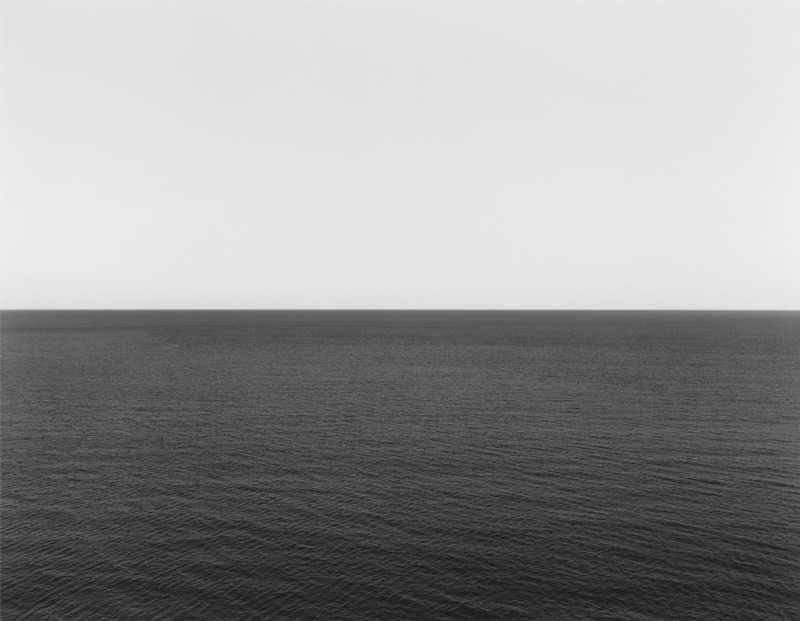 חפצים - עיצוב הבית תערוכת צילום מפתיעה בנושאיה, בטכניקות הצילום ובתפיסות הפילוסופיות שמאחוריה Hiroshi Sugimoto  - צילומים בשחור לבן