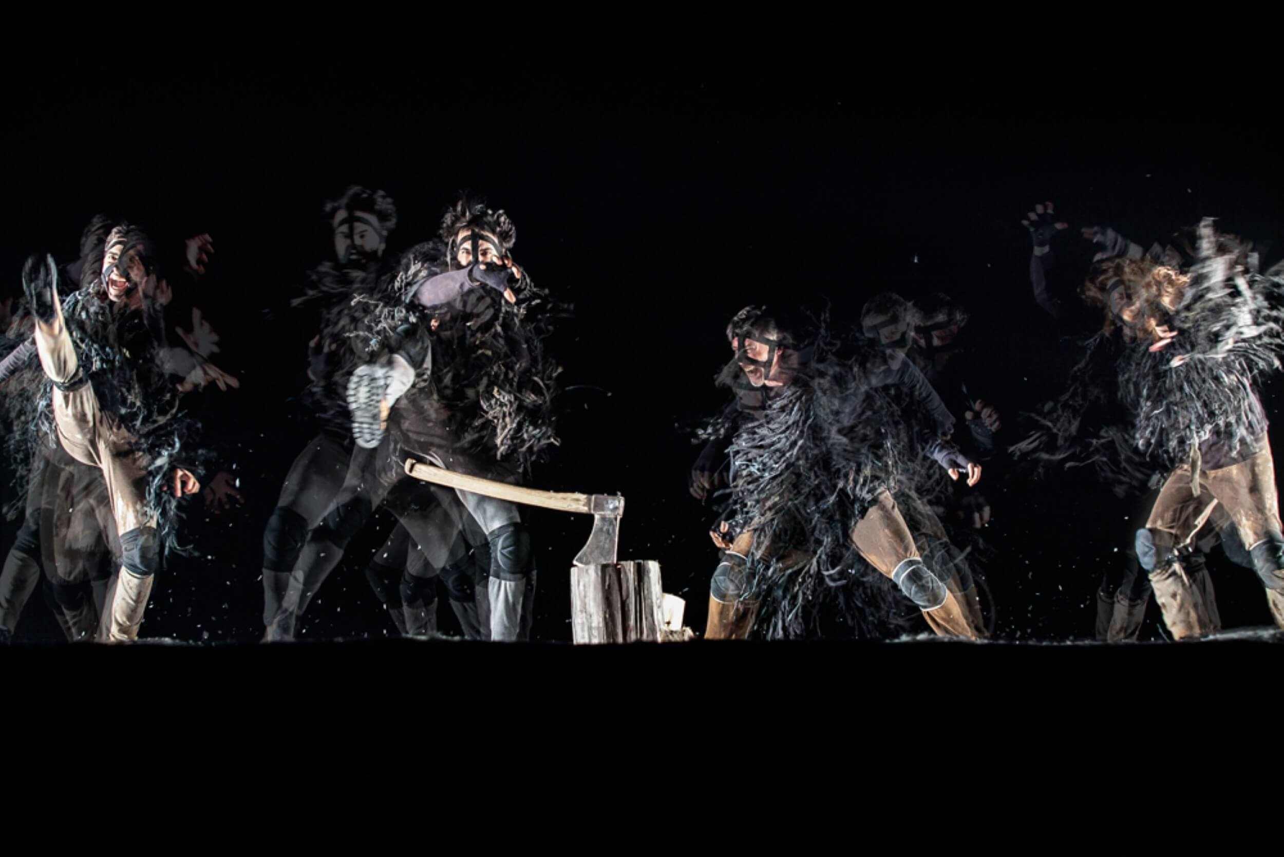 """חפצים - עיצוב הבית ההצגה """"העבד"""" בתיאטרון גשר </br> לא רק תיאטרון במיטבו – זאת יצירה בימתית שכל אחד מאיתנו חייב לראות"""