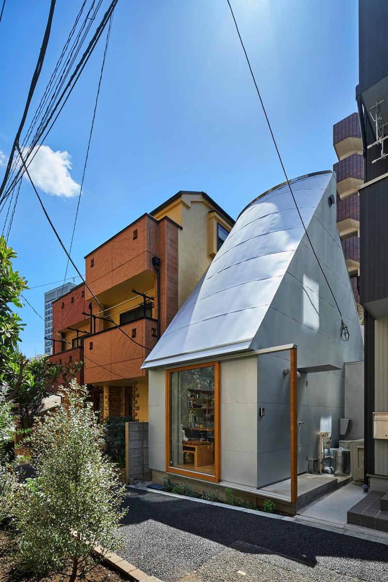 חפצים - עיצוב הבית הכירו ארכיטקט צעיר -  Takeshi Hosaka- החי ועובד בטוקיו</br>ביתו – Love2 House - מקווה שיכול ללמד אותנו דבר אחד או שניים על אמנות וצניעות חיים