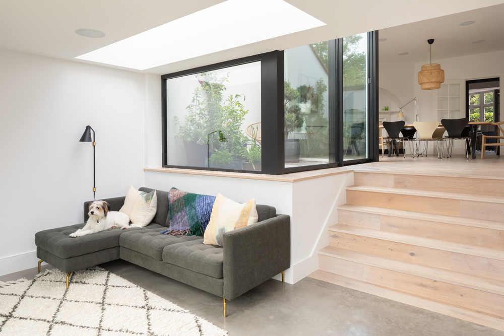 חפצים - עיצוב הבית The Courtyard House</br>פרויקט הרחבת בית לשימור – גינה, חצר פנימית וגינת גג זרועת פרחי בר