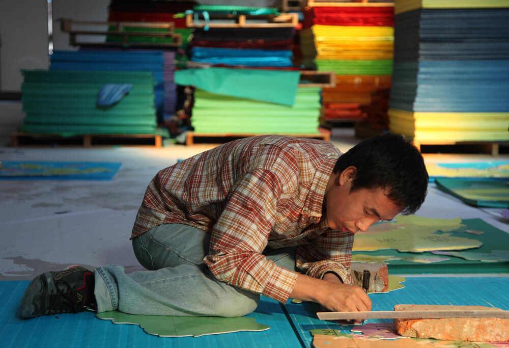 """מגזין ''מקו ועד תרבות'' - ''חפצים'' """"החיים הם שבריריים כמו הנייר""""</br>Li Hongbo"""