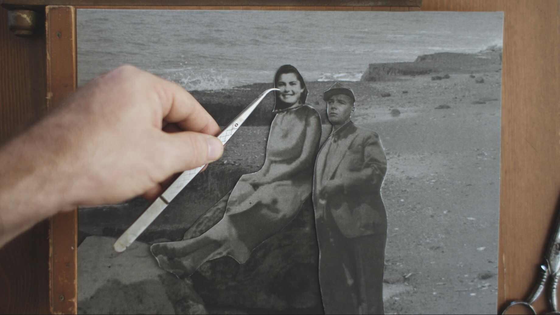 """מגזין ''מקו ועד תרבות'' - ''חפצים'' אהבה זאת לא הייתה</br></br>סרט דוקומנטרי</br>איך לספר סיפור חיים בלתי אפשרי ממחנה אושוויץ במאה ה- 21באין-חומרים?</br>וכאן הסיפור הנוסף הגדול – """"האיך"""" סופר הסיפור."""