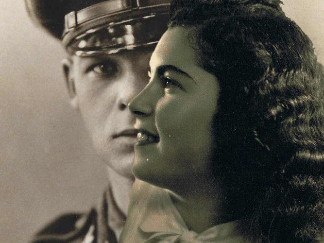 """חפצים אהבה זאת לא הייתה</br></br>סרט דוקומנטרי</br>איך לספר סיפור חיים בלתי אפשרי ממחנה אושוויץ במאה ה- 21באין-חומרים?</br>וכאן הסיפור הנוסף הגדול – """"האיך"""" סופר הסיפור."""